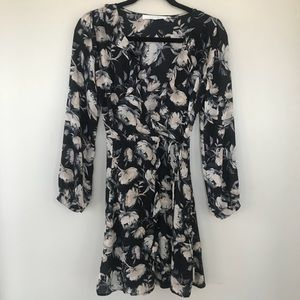 {XS} Astr The Label Floral Long Sleeve Wrap Dress